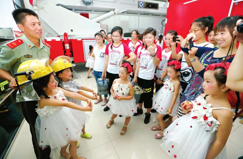 武平4万余名学生领取46740份暑期消防安全作业
