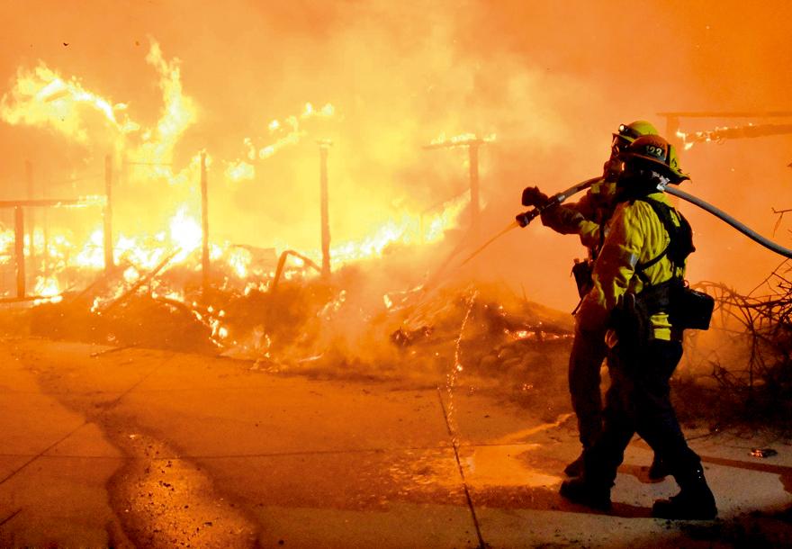 美国加州山火频发