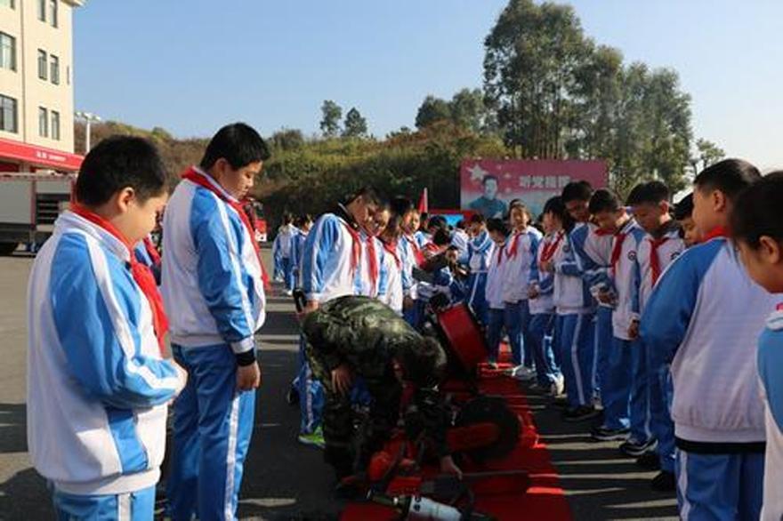 萍乡支队喜迎450名师生走进红门