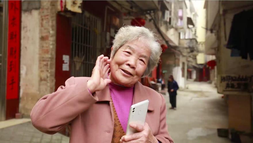 广西河池学习雷锋日:83岁抗美援朝女老兵说天天有活雷锋