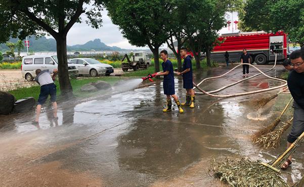 """福建连城:投入""""灾后重建""""3天用水500余吨"""