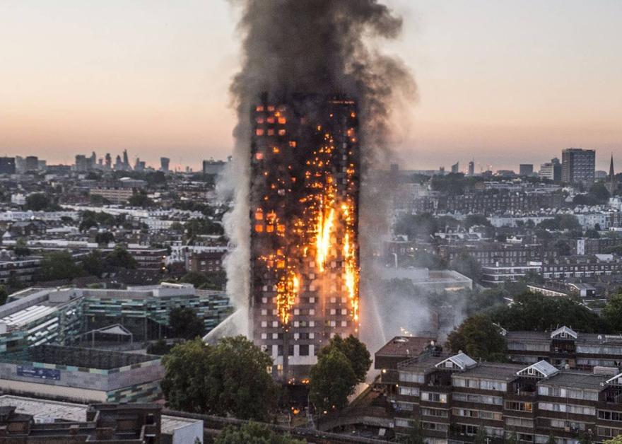 伦敦高楼火灾受害者家属控告建材制造商