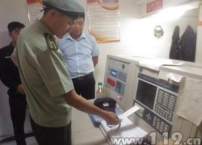 银川西夏消防组织开展高层住宅安全检查