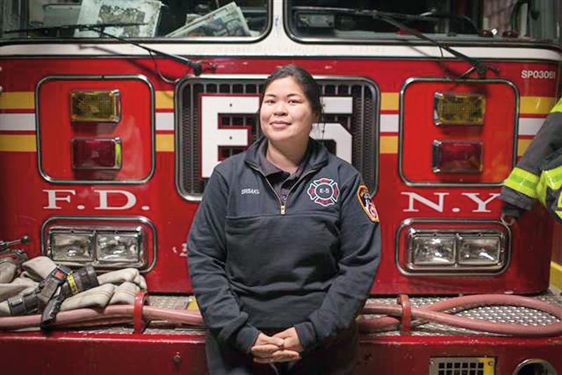 环球消防4:纽约消防局的首位亚裔女性消防员Sarinya Srisakul.jpg