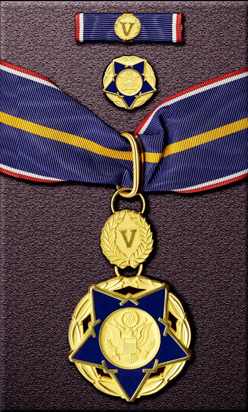 2-4:公共安全人员勇气勋章.jpg
