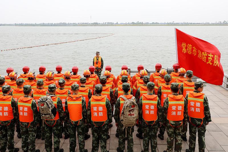 抗洪装备训练3.JPG