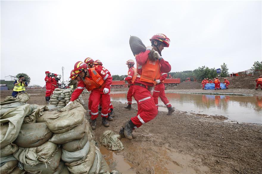 应急管理部举行2019年长江中下游抗洪抢险演练