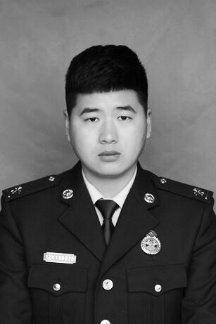 安徽省蚌埠市一消防员在救援中壮烈牺牲