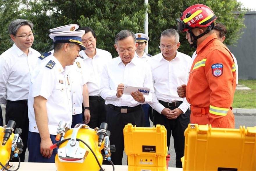 黄明调研北京基层应急管理工作和消防救援队伍建设